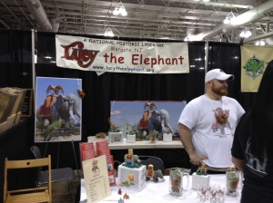 Lucy The Elephant Volunteers!